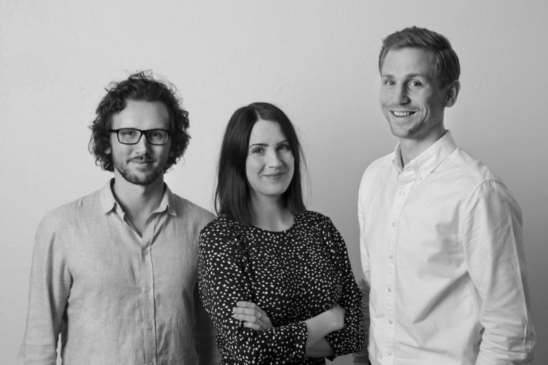 Joakim Södermark, Lina Forsberg och Tommy Eriksson från Cura Nord, ett konsultföretag som hjälper organisationer att hitta socionomkompetens.