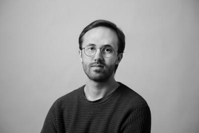 Oskar Lindskog grundare av Make Waves - en studio för musik och ljuddesign i Umeå.